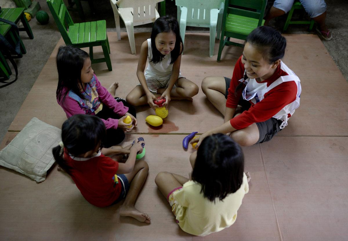 Kids playing with FbF helper